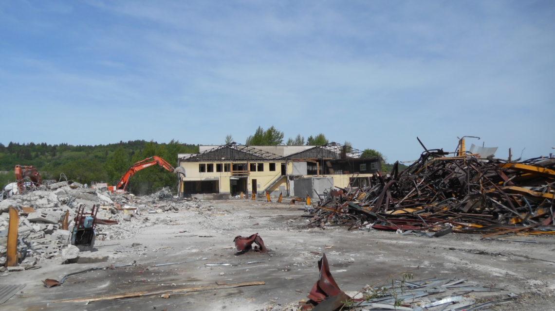 maîtrise d'oeuvre des opérations de désamiantage des bâtiments d'une ancienne ICPE dans l'Ain